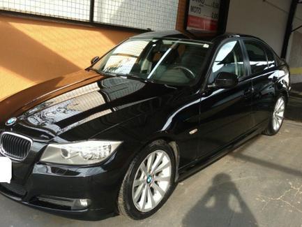 BMW-320i-2011