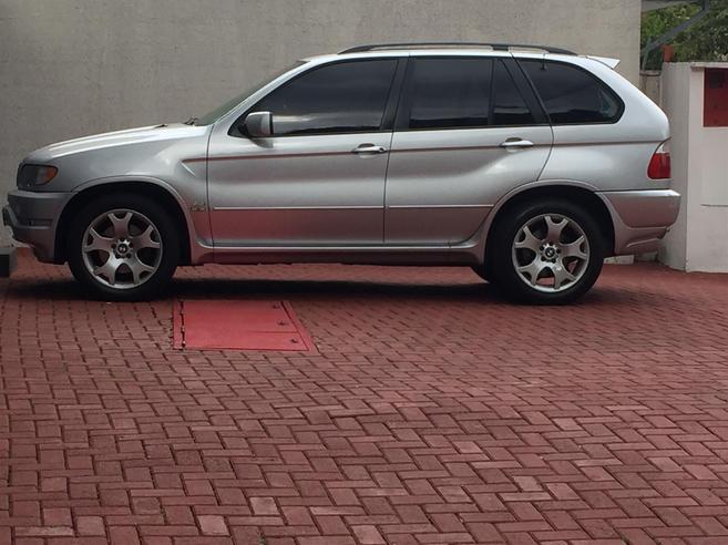 BMW X5 4.4 I 4X4 V8 32V GASOLINA 4P AUTOMÁTICO 2000/2001