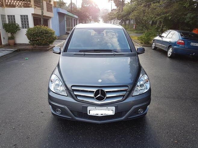 MERCEDES-BENZ B 180 1.7 FAMILY PLUS 8V GASOLINA 4P AUTOMÁTICO 2011/2011