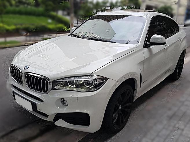 BMW X6 4.4 50I 4X4 COUPÉ 8 CILINDROS 32V BI-TURBO GASOLINA 4P AUTOMÁTICO 2015/2015
