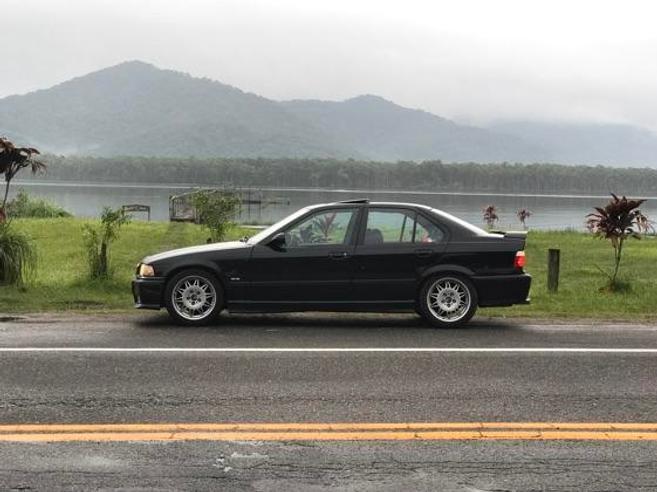 BMW 323i 2.5 EXCLUSIVE SEDAN 24V GASOLINA 4P AUTOMÁTICO 1997/1998