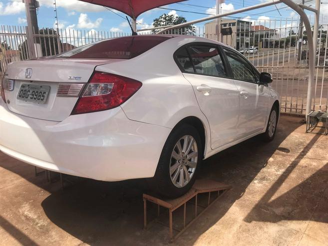 HONDA CIVIC 1.8 LXS 16V FLEX 4P AUTOMÁTICO 2014/2014