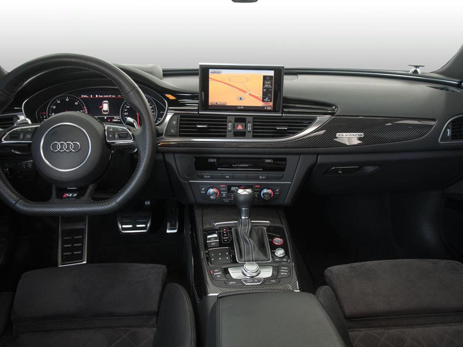 AUDI-RS6-2015