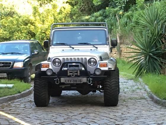 JEEP WRANGLER 4.0 I6 GASOLINA RUBICON TOMB RAIDER EDITION 4WD AUTOMÁTICO