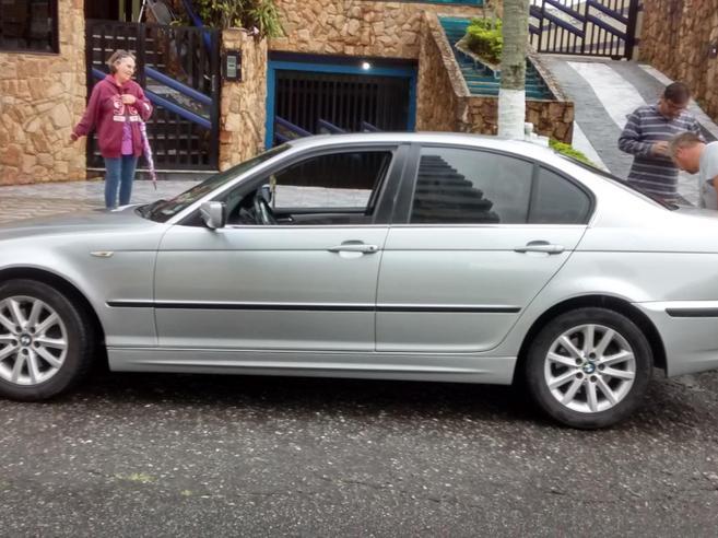 BMW 325i 2.5 SEDAN 24V GASOLINA 4P AUTOMÁTICO 2004/2005