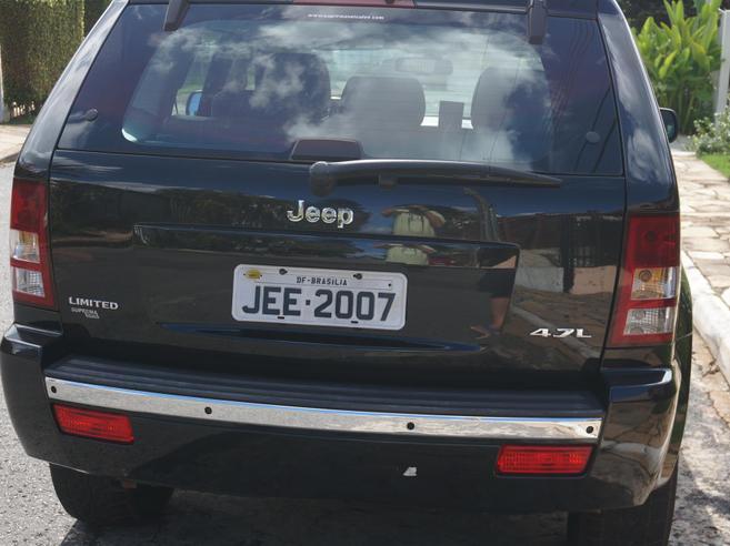 JEEP GRAND CHEROKEE 4.7 LIMITED 4X4 V8 16V GASOLINA 4P AUTOMÁTICO 2006/2006